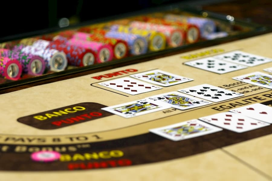 Baccarat Strategy Guide: Why Play Baccarat In Online Casinos