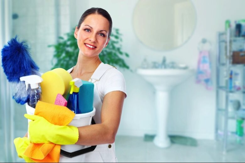 The importance of using specialized cleaning tools for commercial cleaning
